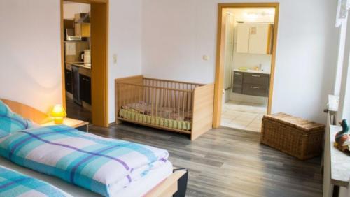 Ferienwohnung Kreuzbusch Schlafzimmer Eltern 2