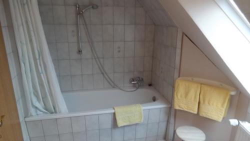 Ferienwohnung Schwalbennest Badezimmer 1
