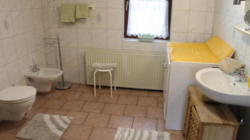 Ferienwohnung Speicher Badezimmer 1
