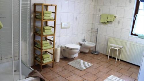 Ferienwohnung Speicher Badezimmer 2